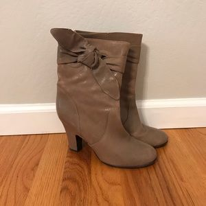 Biala Boots Taupe 8 Leather Bow Knot NWOT